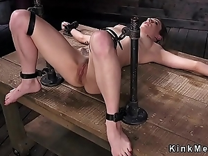 Brunette pussy vibed in device villeinage