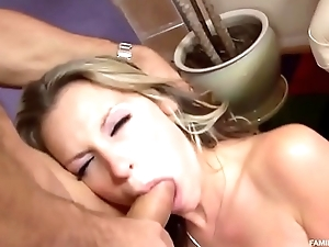 Blonde Little one seduces Stepdad be useful to m'tier