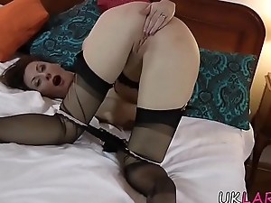 Masturbating brit spermed